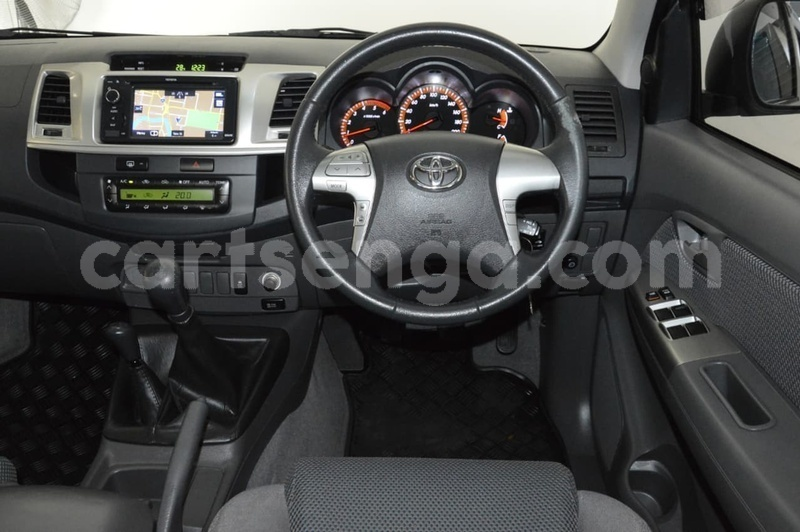 Big with watermark 2013 toyota hilux used 492 u36090 13