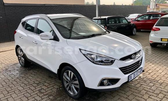 Buy Used Hyundai ix35 White Car in Manzini in Manzini