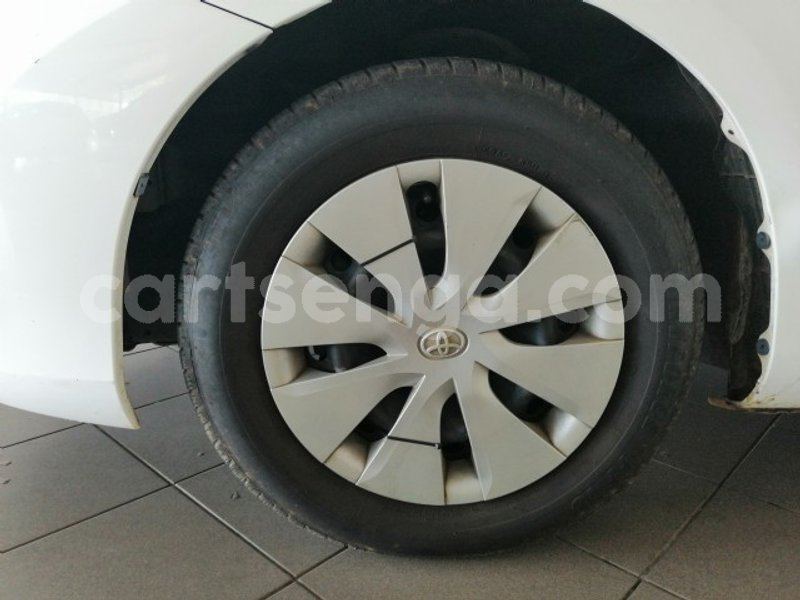 Big with watermark 2015 toyota auris 5