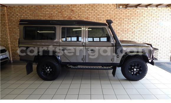 Buy Used Land Rover Defender Brown Car in Ezulwini in Hhohho
