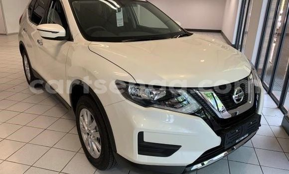 Buy Used Nissan Qashqai White Car in Ezulwini in Hhohho