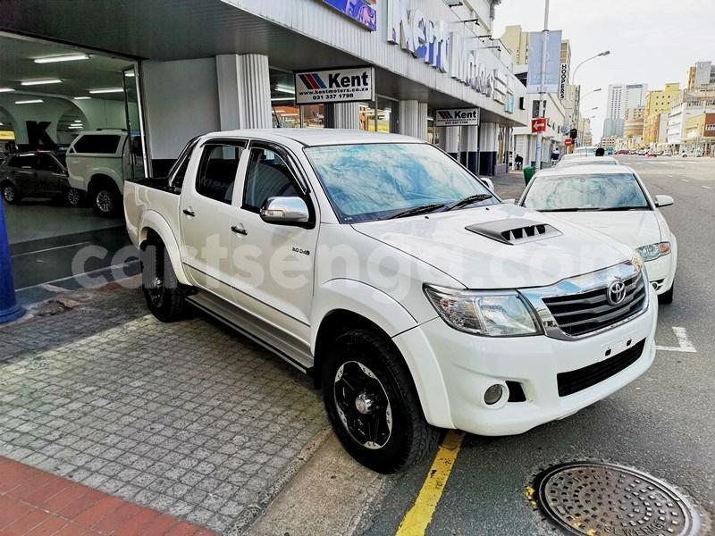Big with watermark 2013 hilux 3d manual 1