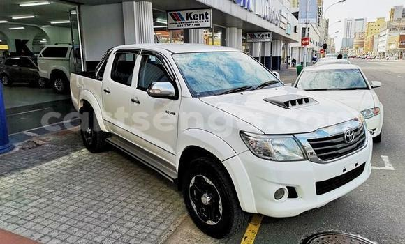 Medium with watermark 2013 hilux 3d manual 1