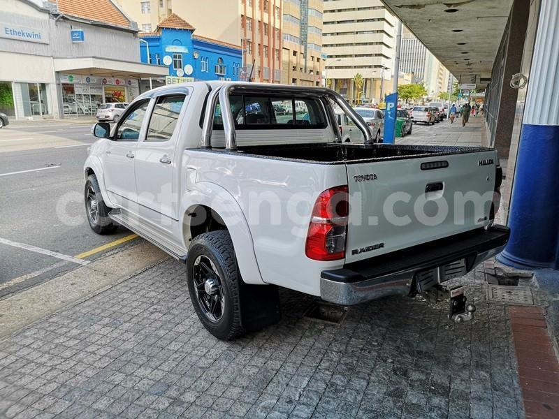 Big with watermark 2013 hilux 3d manual 2