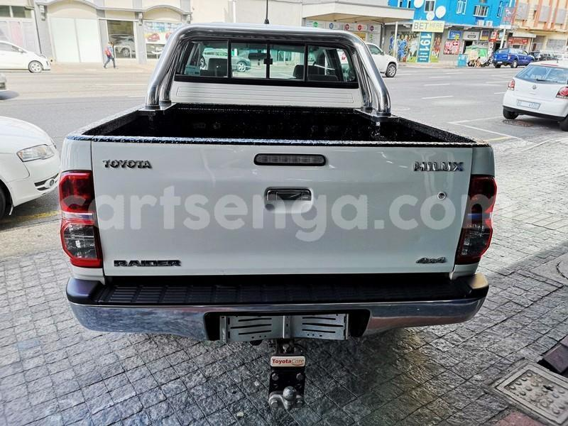 Big with watermark 2013 hilux 3d manual 3