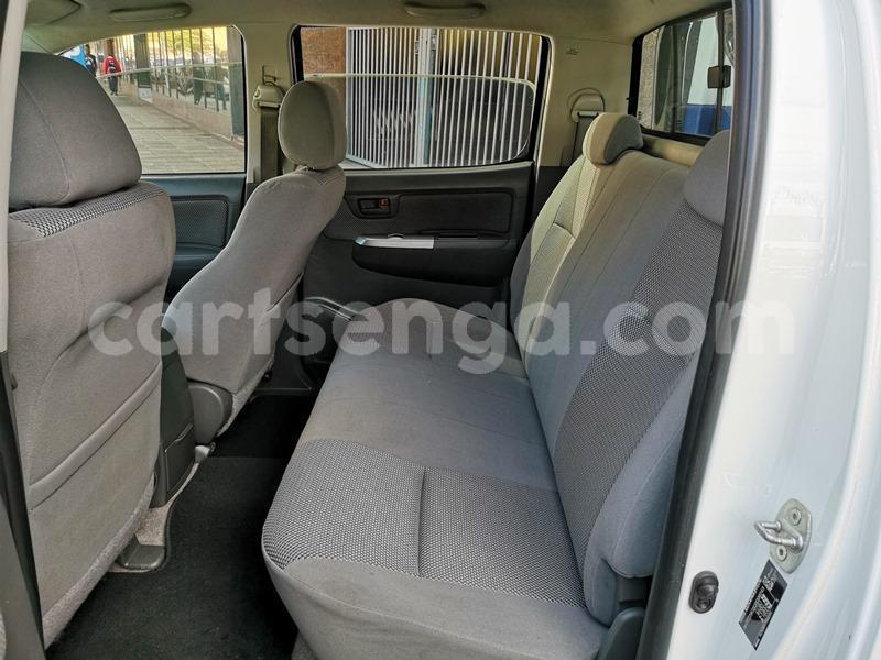 Big with watermark 2013 hilux 3d manual 5