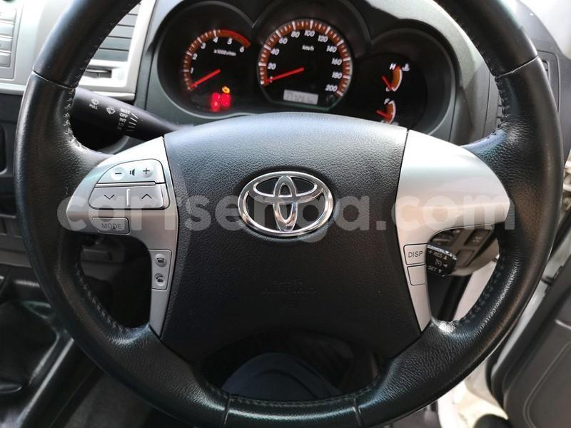 Big with watermark 2013 hilux 3d manual 10