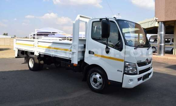 Buy Used Hino 300 Series White Truck in Kubuta in Shiselweni District