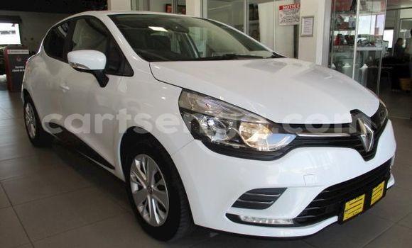 Buy Used Renault Clio White Car in Manzini in Manzini
