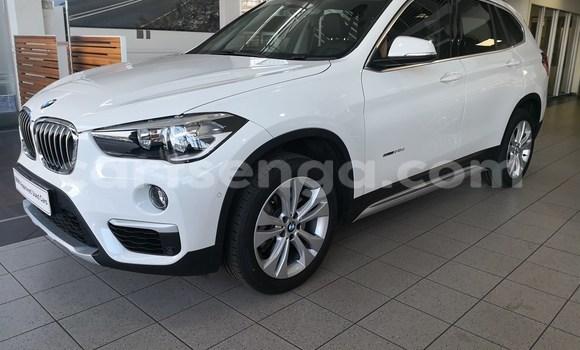 Nunua Ilio tumika BMW X1 White Gari ndani ya Big Bend nchini Wilaya ya Lubombo