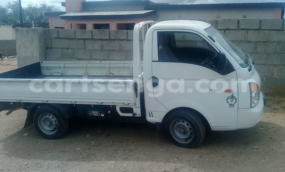 Buy Used Hyundai H1 White Truck in Manzini in Swaziland