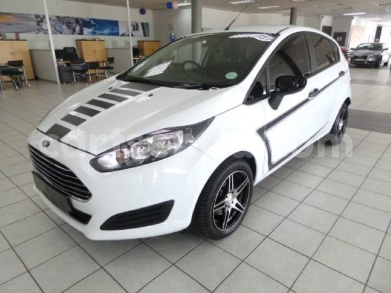 Big with watermark 2016 ford fiesta 1
