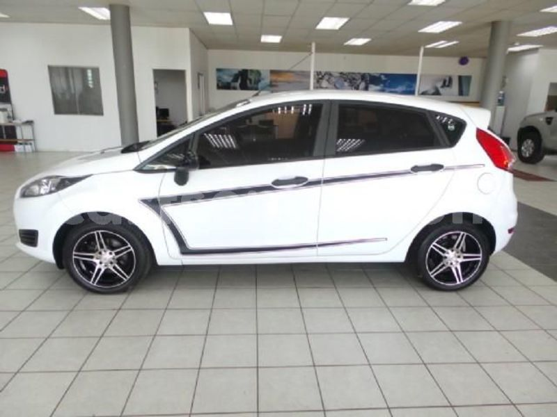 Big with watermark 2016 ford fiesta 2
