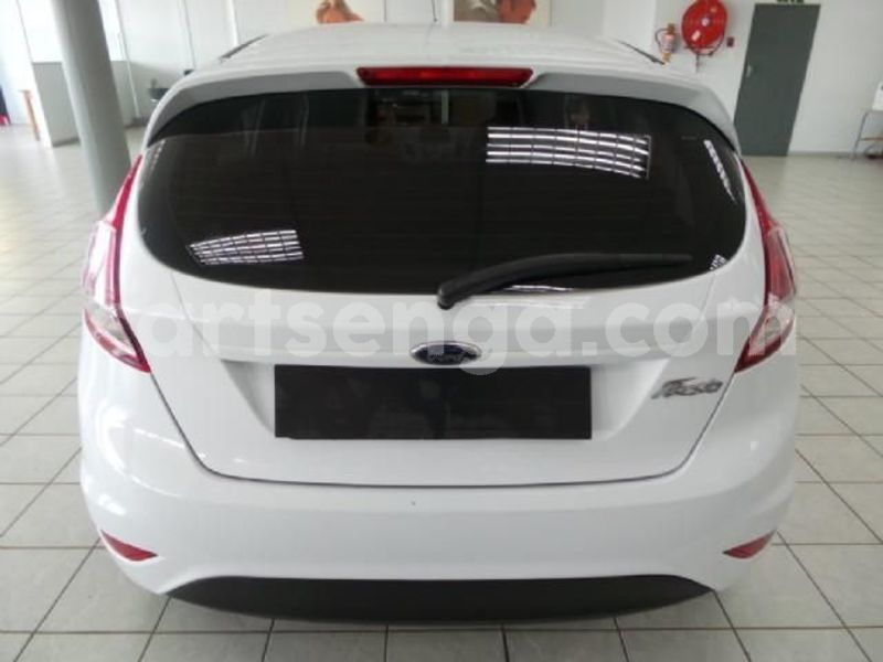 Big with watermark 2016 ford fiesta 4