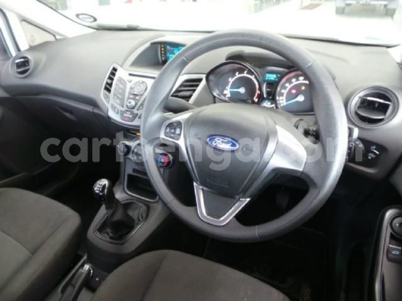 Big with watermark 2016 ford fiesta 6