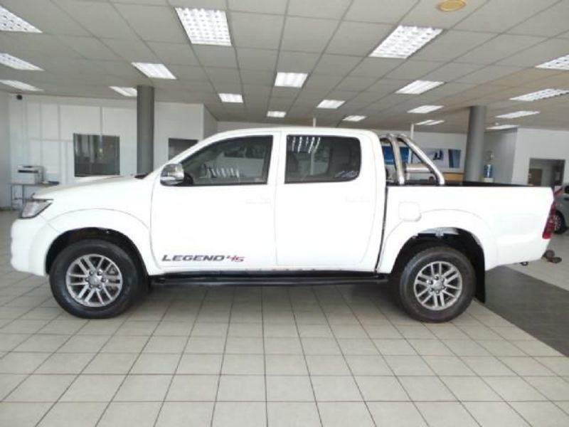 Big with watermark 2014 toyota hilux 2