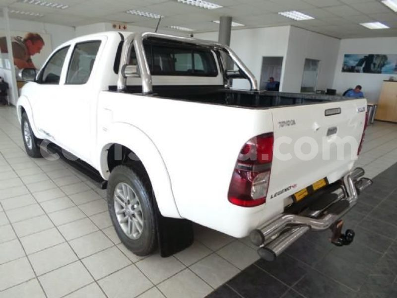 Big with watermark 2014 toyota hilux 3