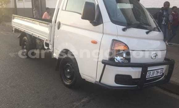 Buy Used Hyundai H200 White Truck in Mbabane in Manzini