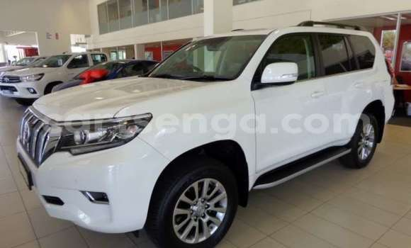 Buy Used Toyota Land Cruiser Prado White Car in Big Bend in Lubombo