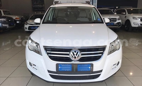 Buy Used Volkswagen Touareg White Car in Big Bend in Lubombo