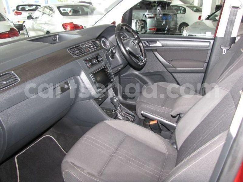Big with watermark 2017 volkswagen caddy 6