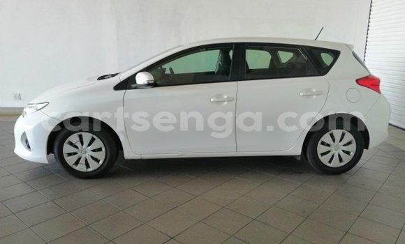Acheter Occasion Voiture Toyota Auris Blanc à Mbabane, Manzini