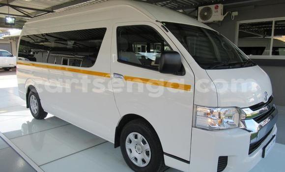 Buy Used Toyota Hiace White Car in Mbabane in Manzini