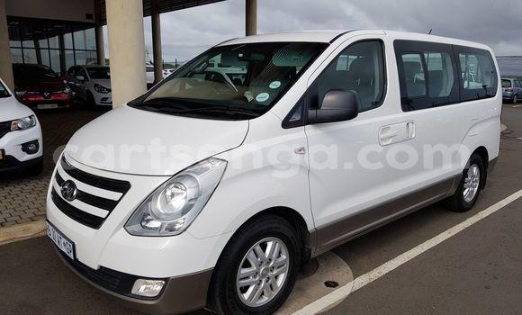 Acheter Occasion Voiture Hyundai H1 Blanc à Manzini, Manzini