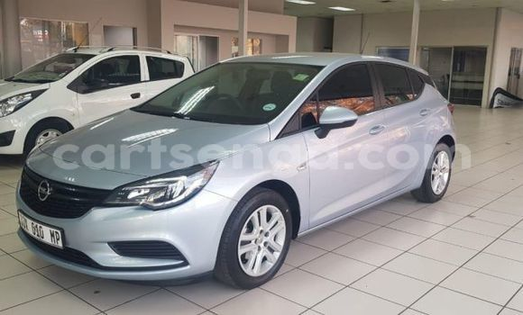 Buy Used Opel Astra Blue Car in Ezulwini in Hhohho