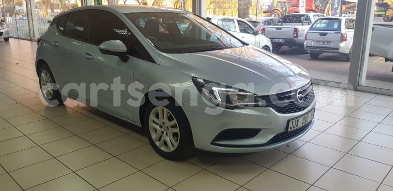 Big with watermark 2017 opel astra 2016 4