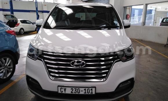 Buy Used Hyundai H1 Silver Car in Bulembu in Hhohho