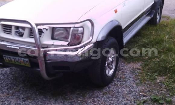 Acheter Occasion Voiture Nissan Hardbody Blanc à Manzini, Manzini