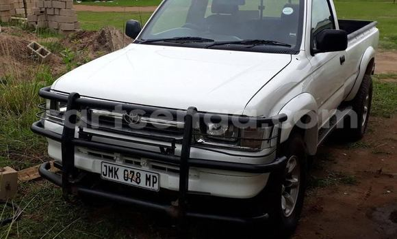 Buy Used Toyota Hilux White Car in Manzini in Manzini