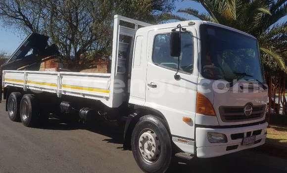 Nunua Ilio tumika Hino 300 Series White Lori ndani ya Mbabane nchini Manzini
