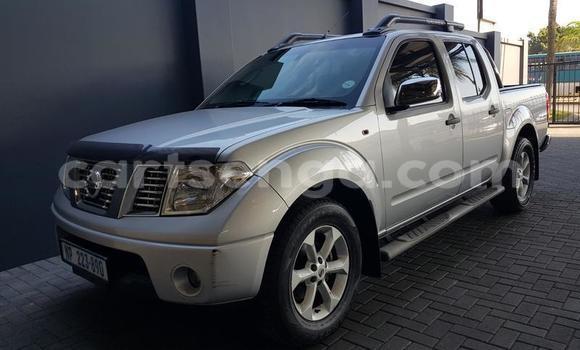 Nunua Ilio tumika Nissan Navara Silver Gari ndani ya Manzini nchini Manzini