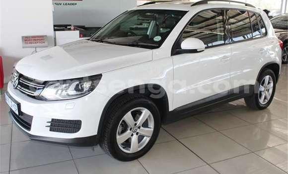 Nunua Ilio tumika Volkswagen Tiguan White Gari ndani ya Manzini nchini Manzini