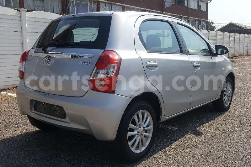 Big with watermark toyota etios hatch 1 5 xs 2017 id 55479545 type main