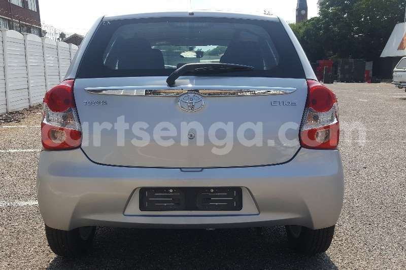 Big with watermark toyota etios hatch 1 5 xs 2017 id 55479548 type main