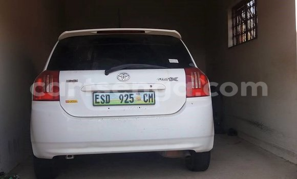 Buy Used Toyota Runx White Car in Manzini in Swaziland