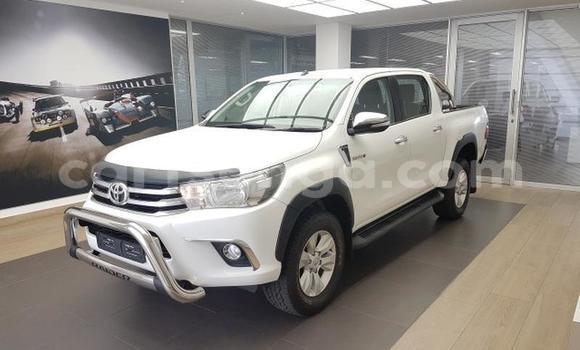 Buy Used Toyota Hilux White Car in Big Bend in Lubombo