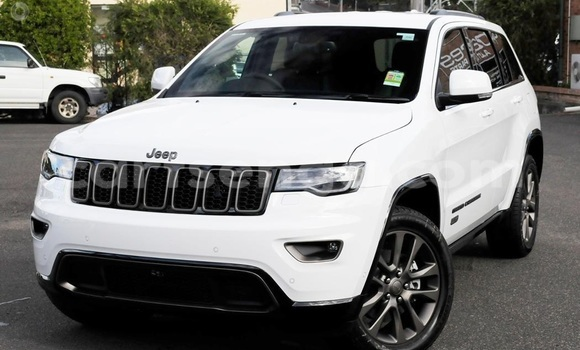 Buy Used Jeep Grand Cherokee White Car in Mhlume in Swaziland