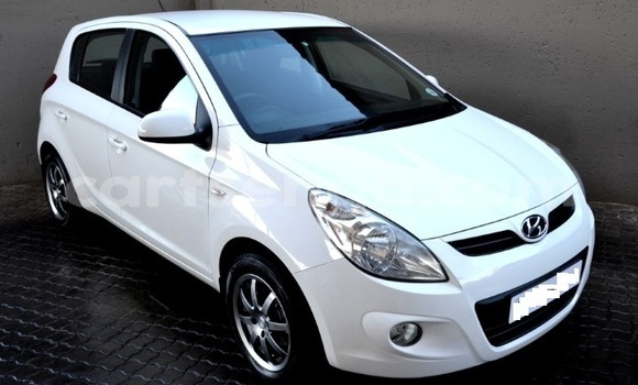 Buy Used Hyundai i20 White Car in Manzini in Manzini