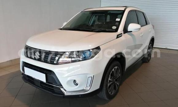 Buy Used Suzuki Vitara White Car in Ngwenya in Hhohho