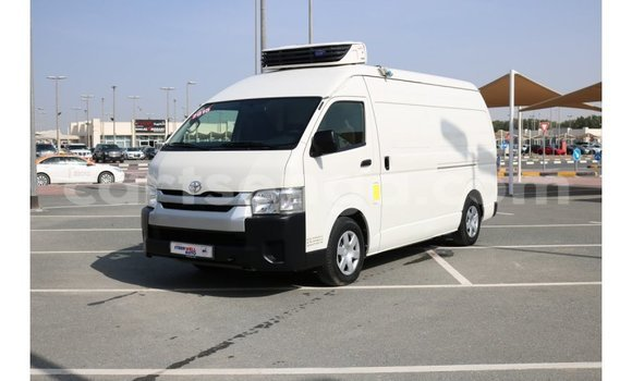 Buy Import Toyota Hiace White Car in Import - Dubai in Hhohho