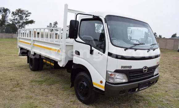 Buy Used Toyota Dyna White Truck in Mbabane in Manzini
