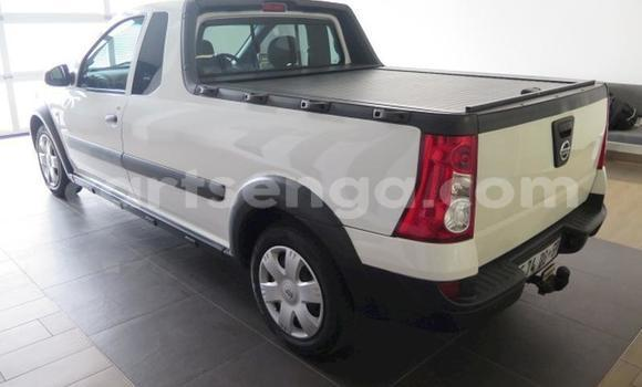 Buy Used Nissan Pickup White Car in Mondi in Hhohho