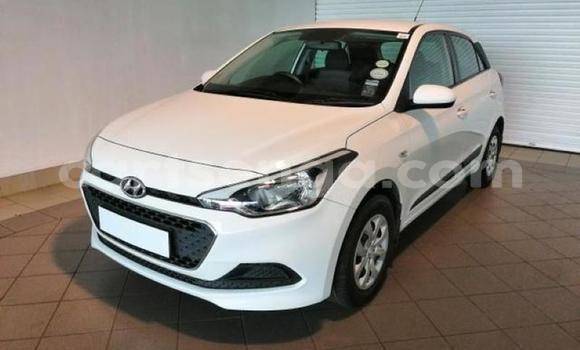 Acheter Occasion Voiture Hyundai i20 Blanc à Mankayane, Manzini