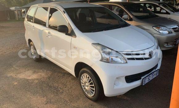 Nunua Ilio tumika Toyota Avanza White Gari ndani ya Matsapha nchini Manzini
