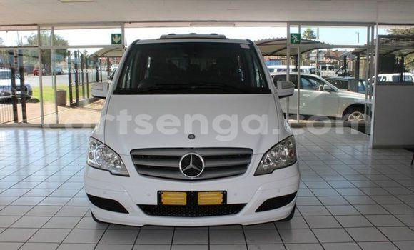 Buy Used Mercedes Viano White Car in Bhunya in Manzini