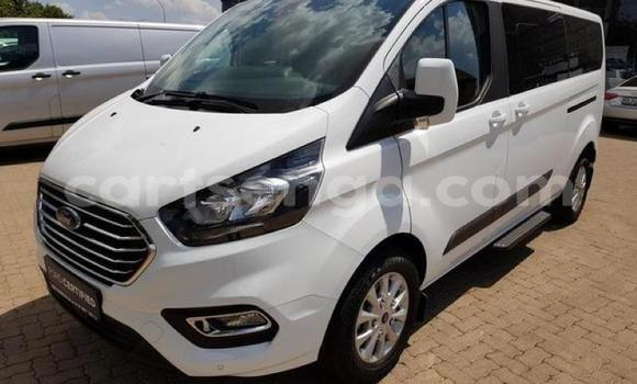 Buy Used Ford Tourneo Courier White Car in Mbabane in Manzini